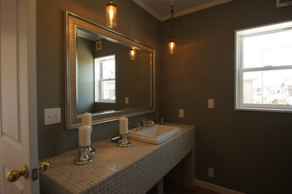 2F_bathroom_s.jpg