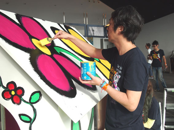 http://www.colorworks.co.jp/weblog/mireihirokisan1.jpg