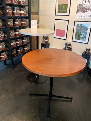 テーブル塗り替え,ビフォー
