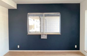Farrow&Ball_No.281 Stiffkey Blue_寝室_apartment56-2F