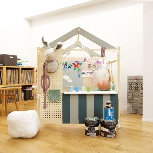 江村様邸_キッズハウス_新居の余りの塗料を使って、キッズハウスやスピーカー、お嬢様の卓上鏡台を作成