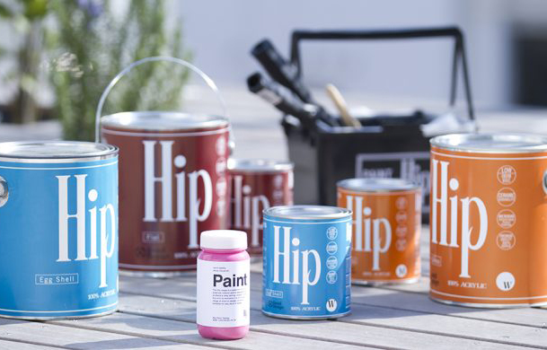 色や艶が豊富で子供でも安全に使えるHipは、缶の大きさも様々!