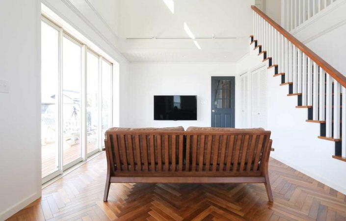 ホームデザインキャスリー様/M様邸/LDK壁 Hip エッグシェル ホワイト/ドア FARROW&BALL No.31 Railngs