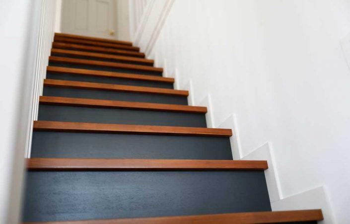 ホームデザインキャスリー様/M様邸/階段 FARROW&BALL No.31 Railngs